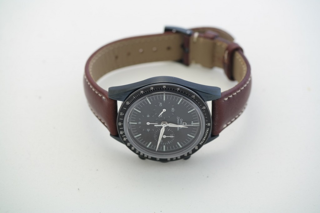Omega speedmaster - black dlc at watch-sonsultant